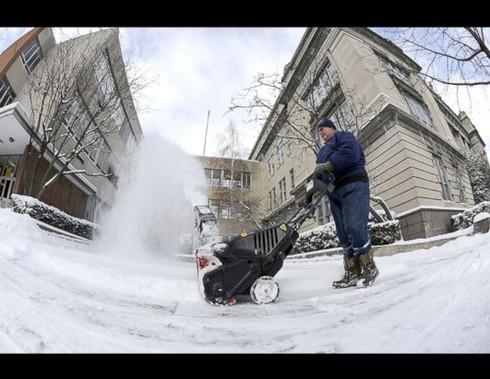 Mỹ: 13 người chết vì bão tuyết - ảnh 1