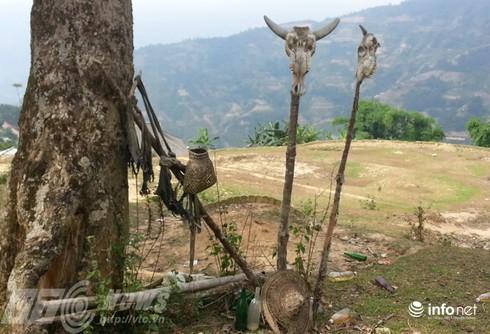 Vùng đất sọ trâu bí ẩn của bộ tộc ít người ở Hà Giang - ảnh 12