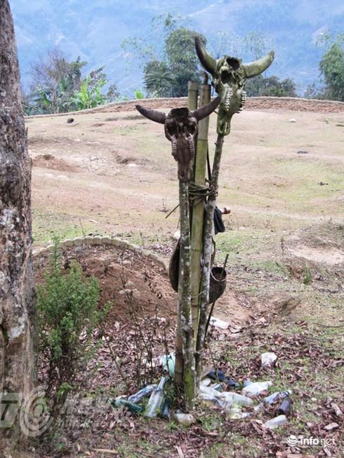 Vùng đất sọ trâu bí ẩn của bộ tộc ít người ở Hà Giang - ảnh 7