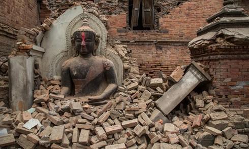 Động đất Nepal: Con số tử vong vượt 4.400, thảm hoạ cứu hộ ở vùng sâu - ảnh 1