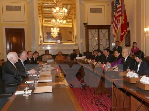 Tổng Bí thư Nguyễn Phú Trọng tiếp đón Thượng nghị sỹ John McCain - ảnh 1