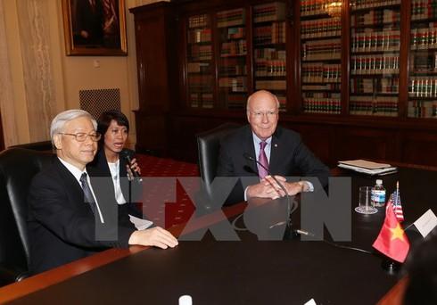 Tổng Bí thư Nguyễn Phú Trọng tiếp đón Thượng nghị sỹ John McCain - ảnh 2