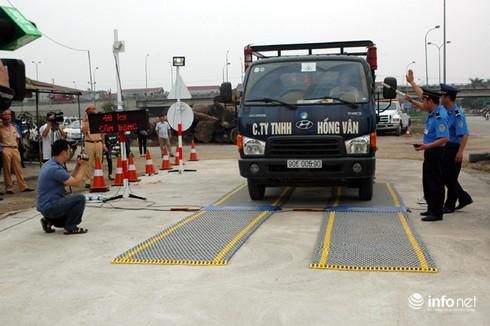 Xe tải từ 7 - 10 tấn bắt buộc phải lắp thiết bị giám sát hành trình - ảnh 1