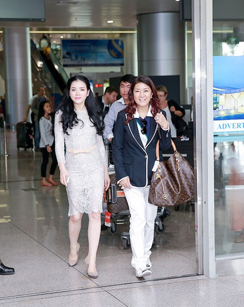 Lý Nhã Kỳ ra sân bay đón công chúa Thái Lan - ảnh 5