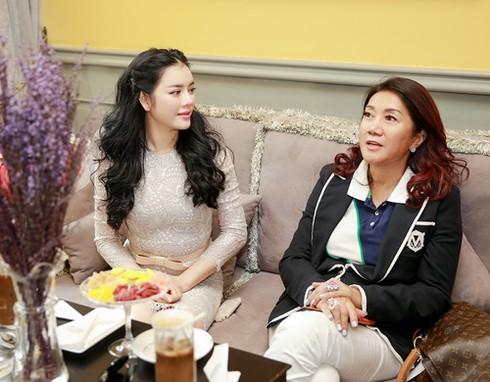 Lý Nhã Kỳ ra sân bay đón công chúa Thái Lan - ảnh 6