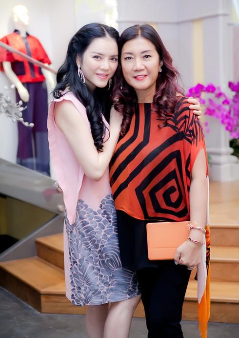 Lý Nhã Kỳ ra sân bay đón công chúa Thái Lan - ảnh 8