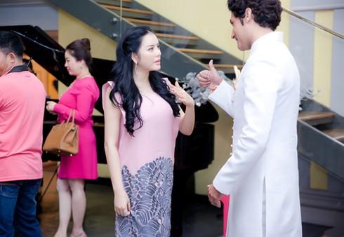 Lý Nhã Kỳ ra sân bay đón công chúa Thái Lan - ảnh 9