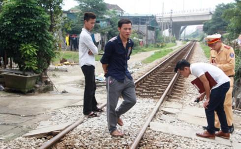 Băng qua đường ray, một người đàn ông bị tàu hỏa tông tử vong - ảnh 1