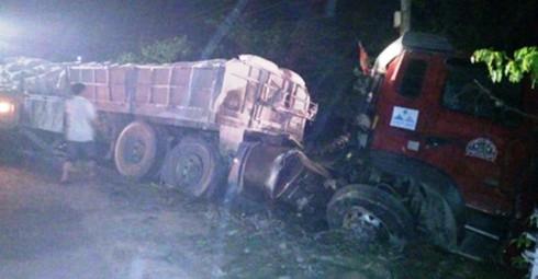 Hà Tĩnh: Hai ô tô tông nhau kinh hoàng trên quốc lộ 1A, nhiều người bị thương - ảnh 1