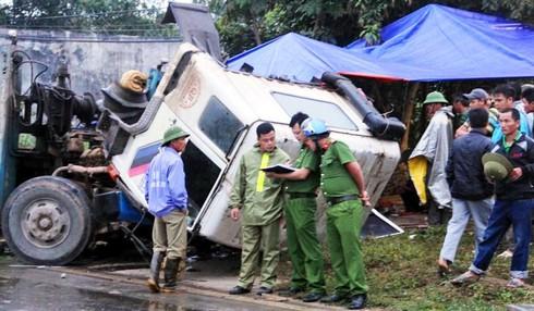Nghệ An: Khởi tố 2 tài xế gây tai nạn thảm khốc khiến 6 người tử vong - ảnh 2