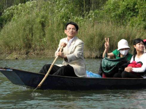 Lễ hội chùa Hương: Du khách hào hứng hành hương - ảnh 14