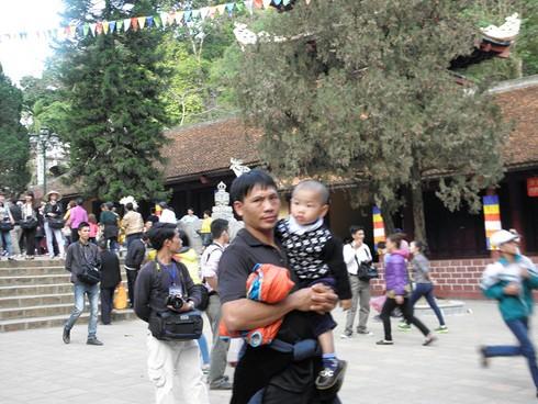 Lễ hội chùa Hương: Du khách hào hứng hành hương - ảnh 6