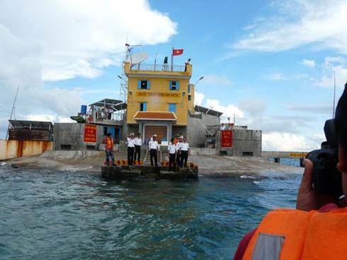 Đảo Đá Nam (Trường Sa): Sống, gìn giữ đảo như thế nào? - ảnh 1