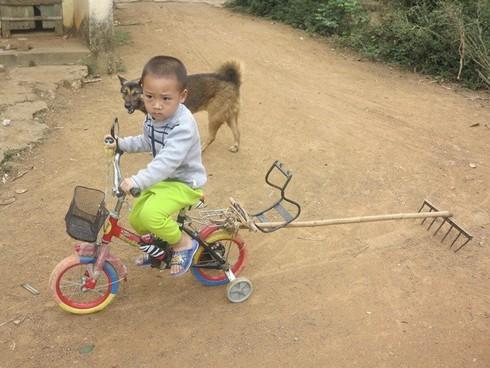 Cuộc sống mến yêu qua mắt nhìn của trẻ em nông thôn Việt Nam - ảnh 18