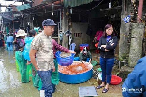 Về phiên chợ cá chép không bán theo con - ảnh 9