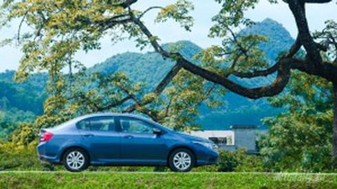 Đánh giá tổng thể Nissan Sunny AT và Honda City AT - ảnh 1