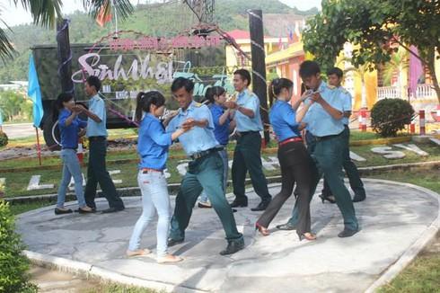 Khiêu vũ giỏi như bộ đội không quân Sư đoàn 375 - ảnh 1
