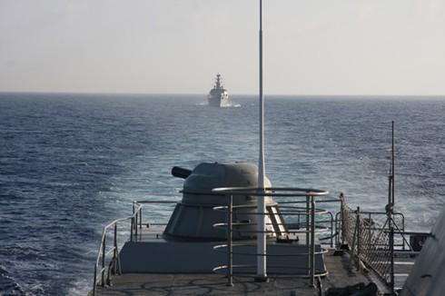 Tàu chiến Hải quân Việt Nam lần đầu tiên vượt qua đường xích đạo - ảnh 2