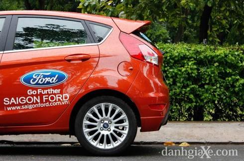 Đánh giá chi tiết Ford Fiesta 2014 - ảnh 15