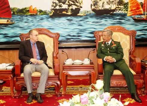 Hoa Kỳ sẽ nỗ lực đẩy mạnh quan hệ hợp tác và quốc phòng với Việt Nam - ảnh 2