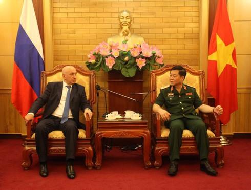 Tướng phản gián quân sự - cơ quan An ninh Liên bang Nga thăm Việt Nam - ảnh 1