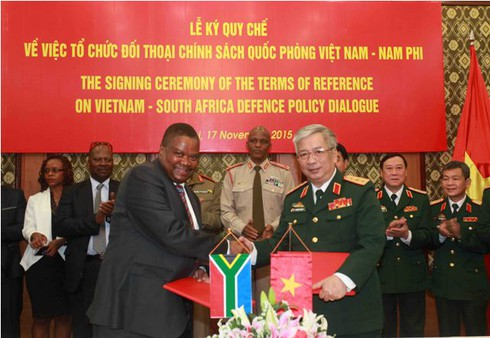 Việt Nam – Nam Phi đối thoại chính sách quốc phòng 2015 - ảnh 3