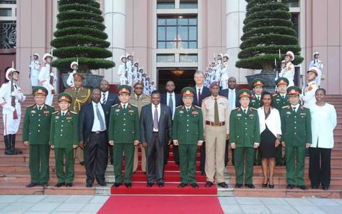 Việt Nam – Nam Phi đối thoại chính sách quốc phòng 2015 - ảnh 4
