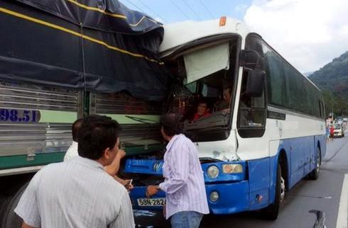 """Đề nghị Thủ tướng có bằng khen tài xế xe tải """"cứu"""" xe khách ở Lâm Đồng - ảnh 1"""