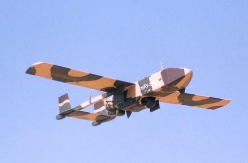 Ấn Độ mua 50 máy bay không người lái để tuần tra biển - ảnh 1
