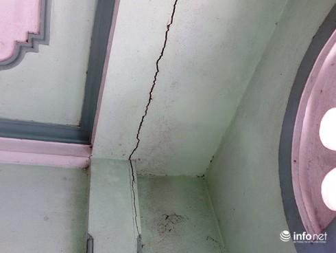 Thừa Thiên Huế: Phấp phỏng sống trong những ngôi nhà nứt toác vì mỏ đá nổ mìn - ảnh 2