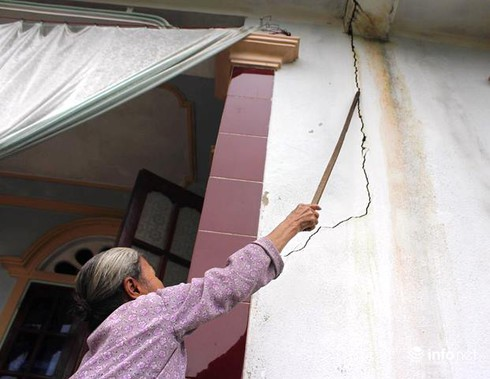 Thừa Thiên Huế: Phấp phỏng sống trong những ngôi nhà nứt toác vì mỏ đá nổ mìn - ảnh 4