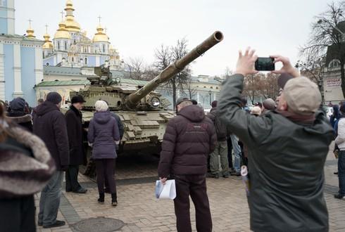 """Bất chấp sức ép của Nga, Ukraine vẫn """"chắp nối"""" với EU - ảnh 1"""