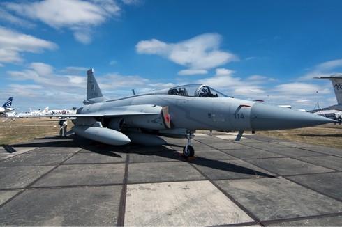Máy bay JF-17 của Trung Quốc: