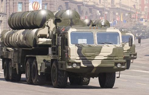 Quân đội Nga có thêm trung đoàn tên lửa S-400 - ảnh 1