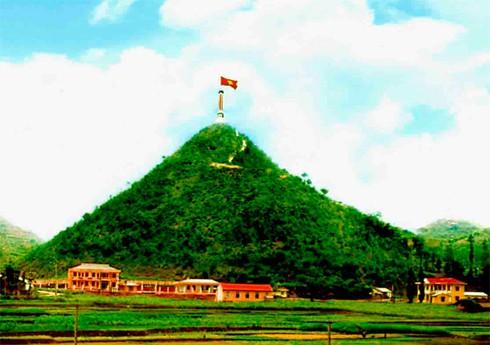 Cờ đỏ sao vàng - Biểu tượng bất diệt của Tổ quốc Việt Nam - ảnh 4