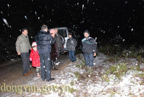 Tuyết rơi sớm ở Đồng Văn: Dày nhất trong vòng 10 năm - ảnh 6
