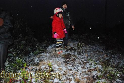 Tuyết rơi sớm ở Đồng Văn: Dày nhất trong vòng 10 năm - ảnh 4