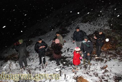 Tuyết rơi sớm ở Đồng Văn: Dày nhất trong vòng 10 năm - ảnh 5