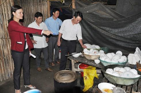 Lào Cai: 22 người nhập viện vì ngộ độc thực phẩm - ảnh 3