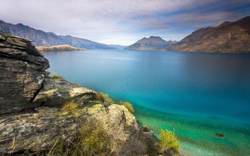 Hồ không đáy Goluboe: Bí ẩn đáng sợ bậc nhất trên Trái Đất - ảnh 1