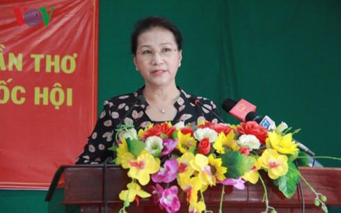 Chủ tịch Quốc hội tiếp xúc cử tri tại Cần Thơ - ảnh 1