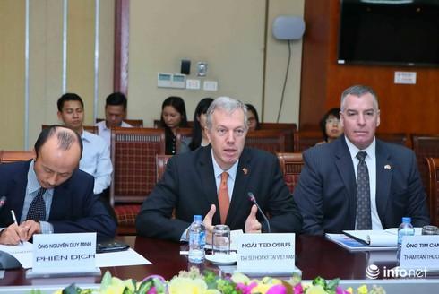 Bộ trưởng Bộ TT&TT và Đại sứ Mỹ cùng gỡ vấn đề