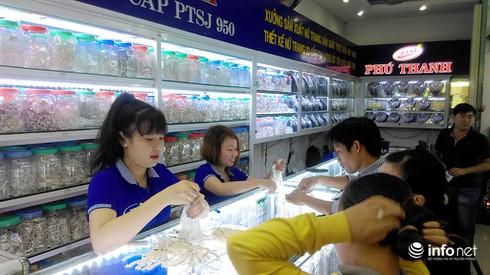 Phố vàng bạc ở TP.HCM: Ngoài mua sắm còn là điểm du lịch đặc trưng - ảnh 2
