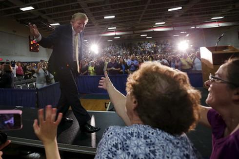 """Donald Trump sẵn sàng """"đốt"""" 100 triệu USD cho chiến dịch tranh cử Tổng thống Mỹ - ảnh 1"""