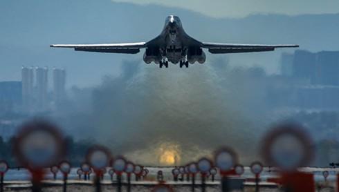 """Mỹ điều chiến đấu cơ B-1B đến Biển Đông """"dằn mặt"""" Trung Quốc - ảnh 1"""