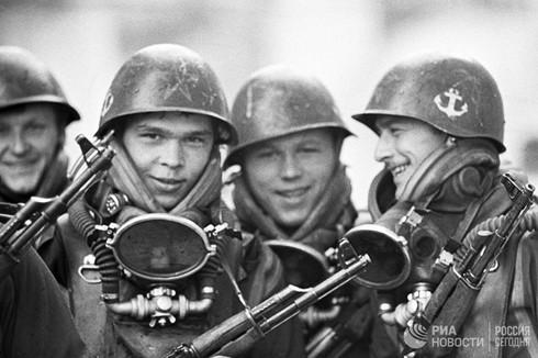 [Ảnh] Thủy quân Lục chiến Nga qua các thời kỳ - ảnh 11