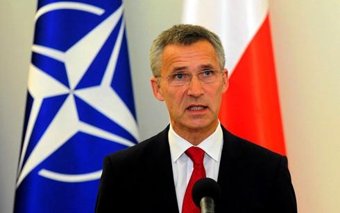 """NATO """"xuống nước"""