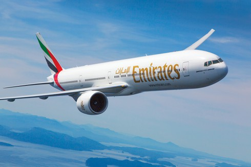 Emirates tặng quà hành khách nữ nhân ngày Quốc tế Phụ nữ - ảnh 1