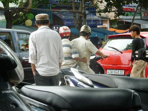 Đà Nẵng: Tổ QTĐT xử phạt