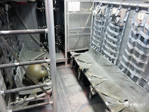 Vận thang độc đáo trên tàu đổ bộ JSDS Shimokita (LST-4002) của Hải quân Nhật Bản - ảnh 24
